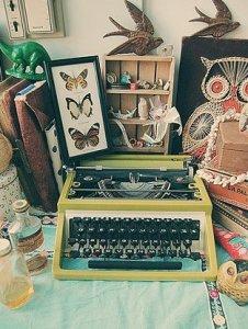 Menulis karya